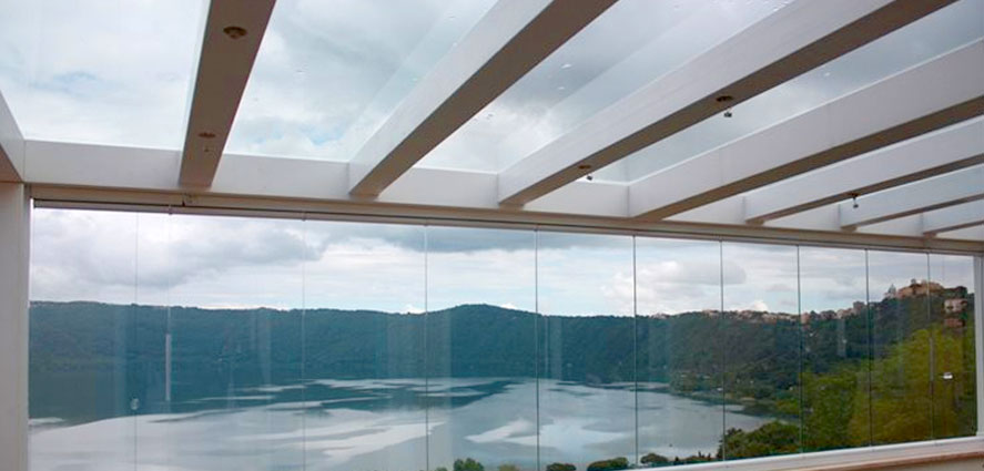 Infissi panoramici in vetro