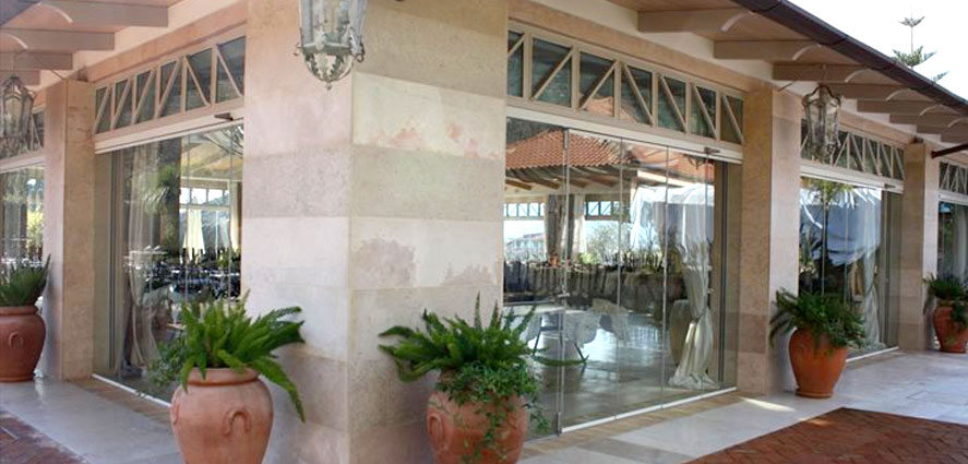 Chiusure a vetri scorrevoi per alberghi